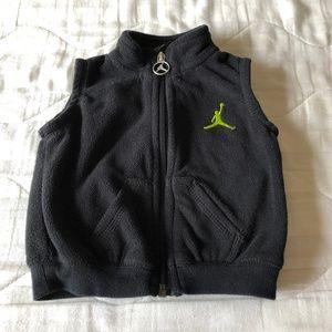 5d192a1926cfd7 Air Jordan Baby Boy Vest Jacket 3-6 months old